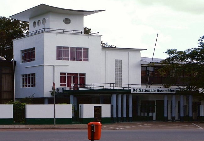nationale assemblee suriname, parlementsgebouw