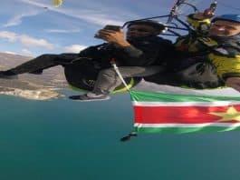 paragliden, surinaamse vlag