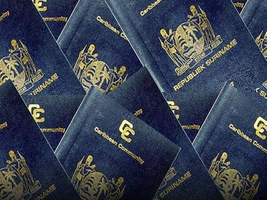 surinaams-paspoort-suriname-passport